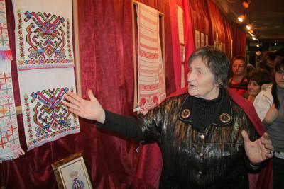Людмила Огнева на выставке