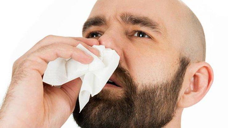 Почему идет из носа кровь при сморкании