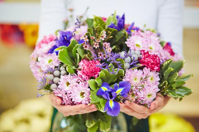 Зачем дарить цветы на 8 марта доставка цветов по адресам-дешевые