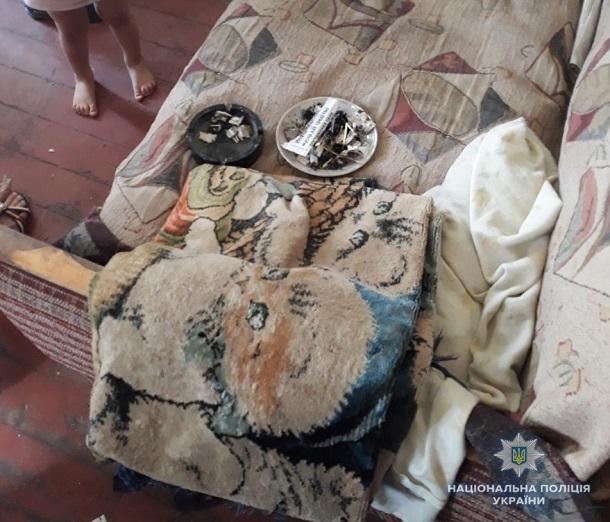 V Kramatorske pravoohraniteli zabrali troih detej u neradivoj materi 1